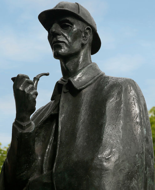 Statue of Sherlock Holmes, London. Photo by Lee Ryda (from NYT)