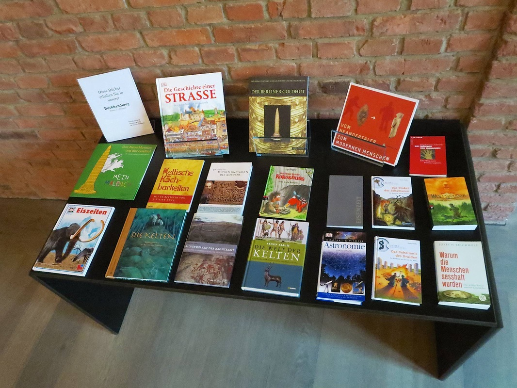 Table of books in the galleries of the Neues Museum, Berlin